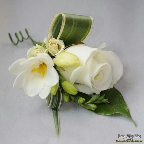 Pin By عاشق الورد الأبيض On Aranjamente Florale Mother Of The Bride Flowers White Wedding Flowers Floral Wedding Sign