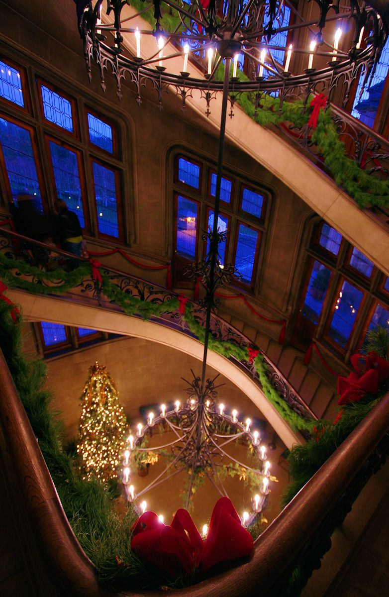 The grand staircase in BiltmoreHouse during the Christmas