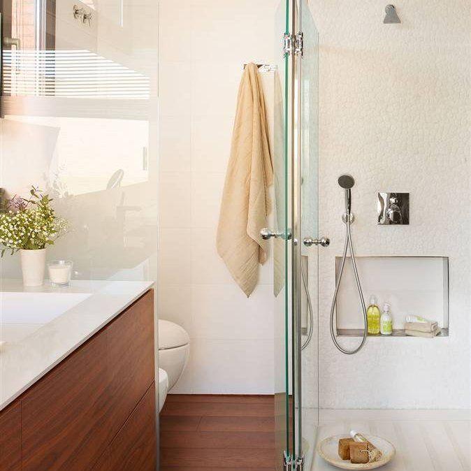 Revestimientos continuos espacios m s amplios banys for Revestimiento banos pequenos