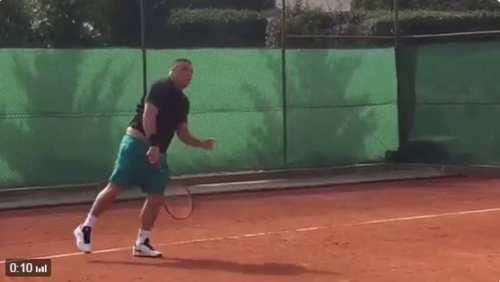 Sport: #Claro #Ronaldo #gioca a tennis (link: http://ift.tt/2kRR4jm )