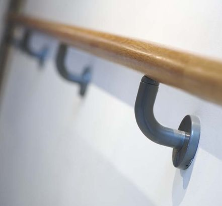Best Seamless White Oak Handrails Secured With Duracoat Wall 400 x 300