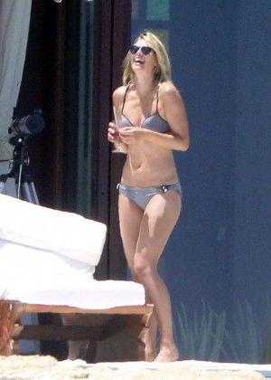 Maria sharapova   Maria Sharapova wearing a bikini on vacation in Cabo