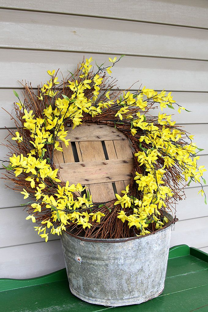 A Simple And Easy Farmhouse Spring Porch Decor Idea Made With Things I Drug Out From The Garage
