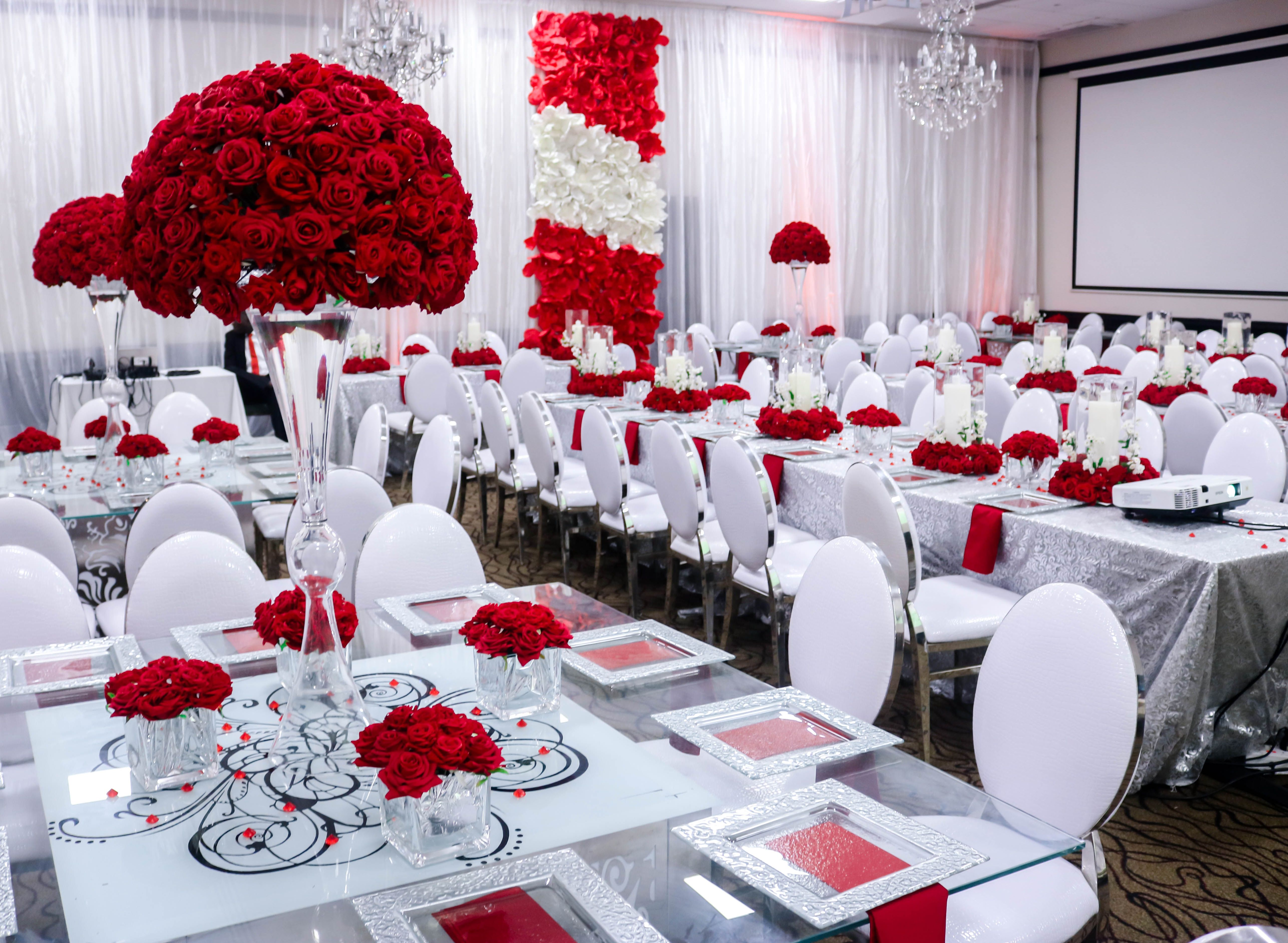 White With A Touch Of Red Yes Please Wedding Dinner Inspiration By