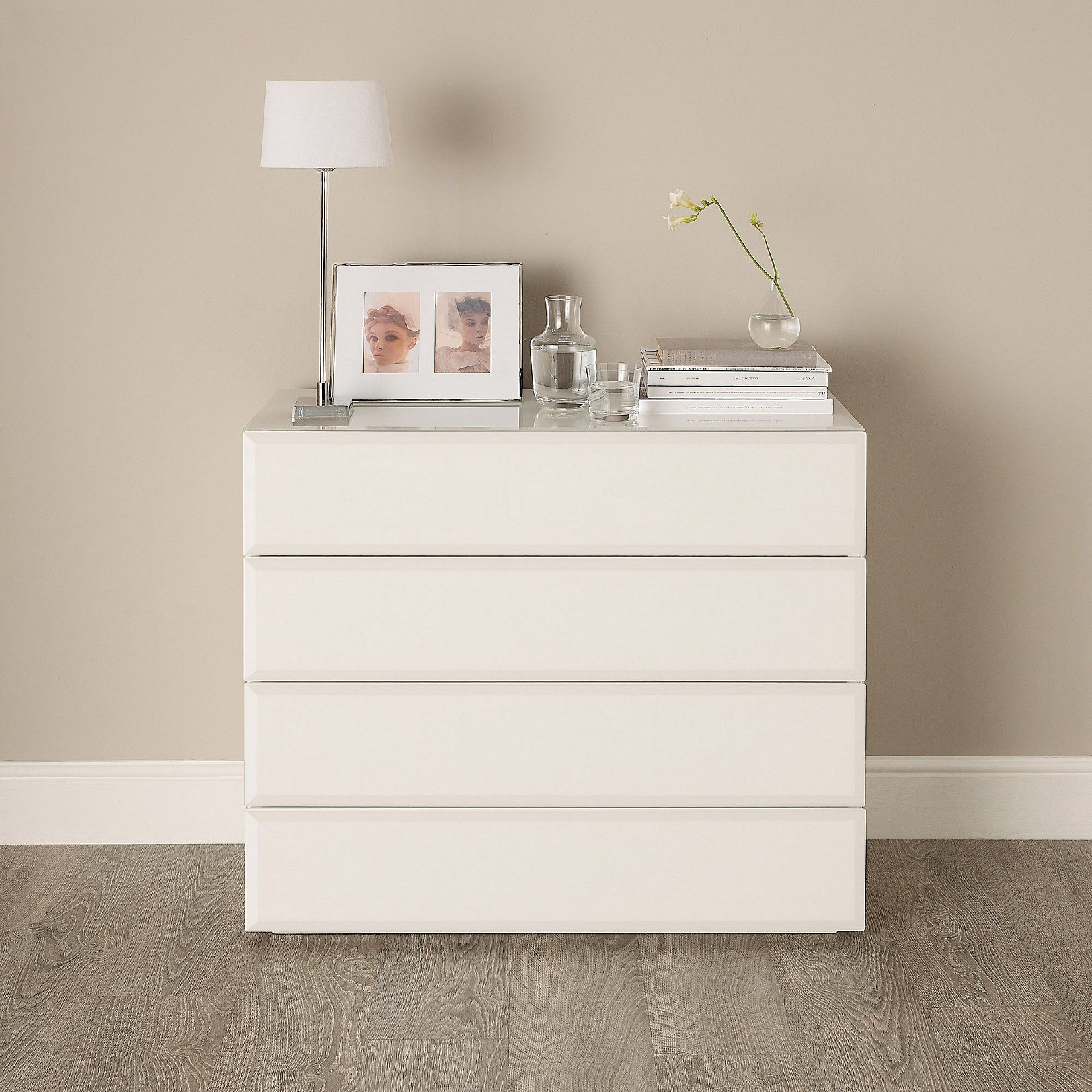 Carlton Gl 4 Drawer Chest Of Drawers Bedroom Furniture Home The White Companyhome
