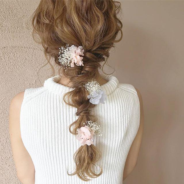 結婚式はおしゃれな髪飾りで参列しよう 長さ別 おしゃれなアレンジ アクセサリー Folk 髪飾り ブライダル 髪型 お呼ばれ ヘアアレンジ