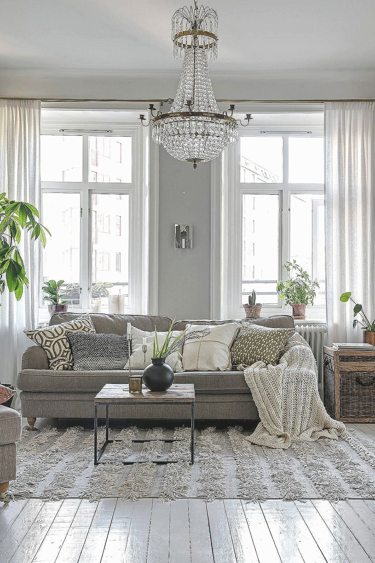 30 Attractive Hardwood Floor Decorating Ideas In 2020 Elegant Living Room Wall Decor Living Room Living Room Pictures