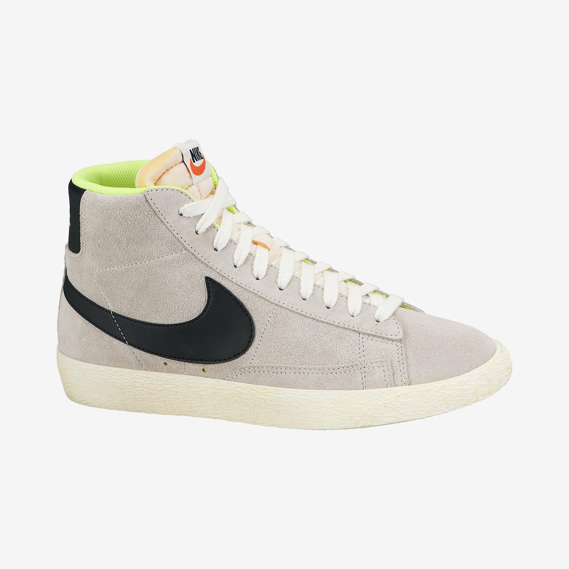 Nike Blazer Mid Suede Vintage Women's Shoe. Nike Store