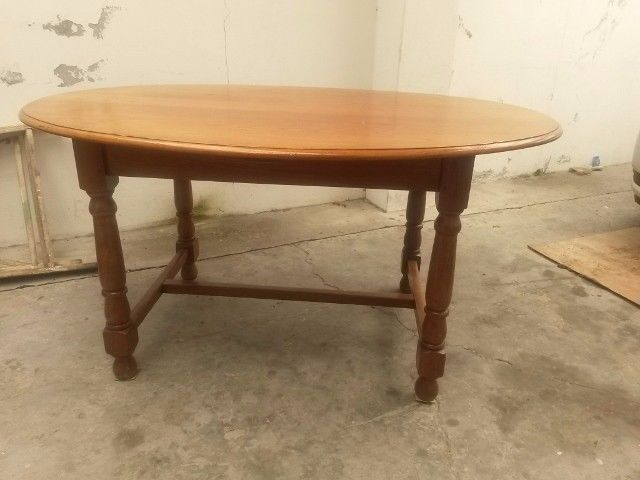 Tables Oak 4 Seater Oval Dining Table For Sale In Cape Town Id