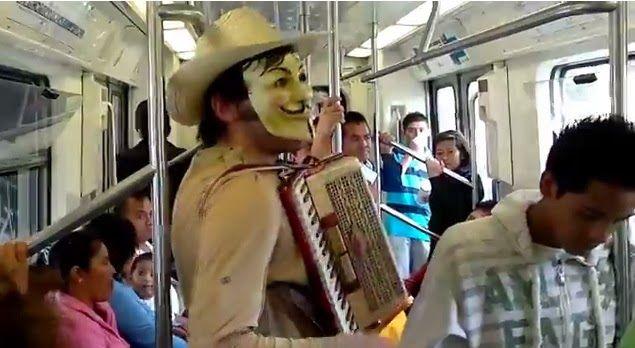 Noticias: VIDEO. Corrido de Peña Nieto en el Metro