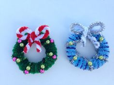 Photo of How to make a pipe cleaner Christmas wreath 2