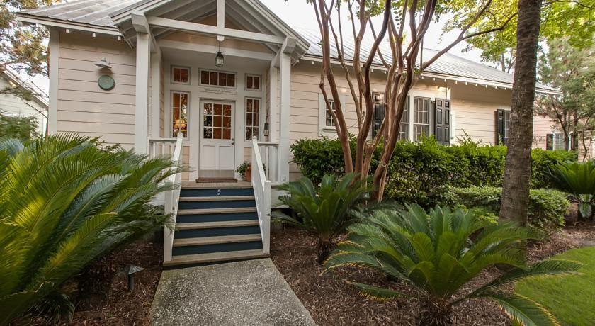 The Cottages On Charleston Harbor Charleston Usa
