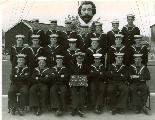 HMS Raleigh new entries, with instructor CY Pratt (May 1964