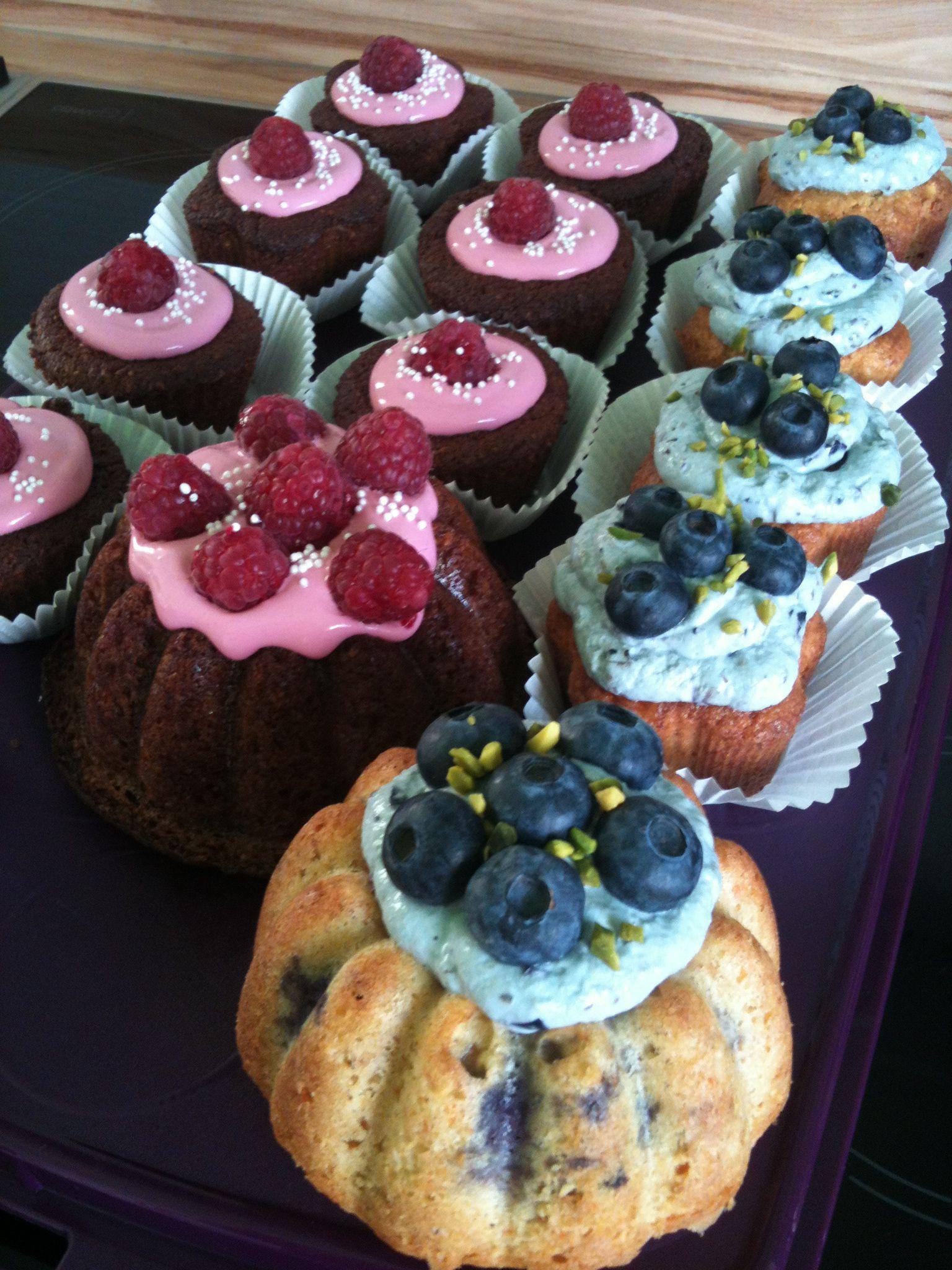 Blaubeere trifft Himbeere cupcakes und mini törtchen