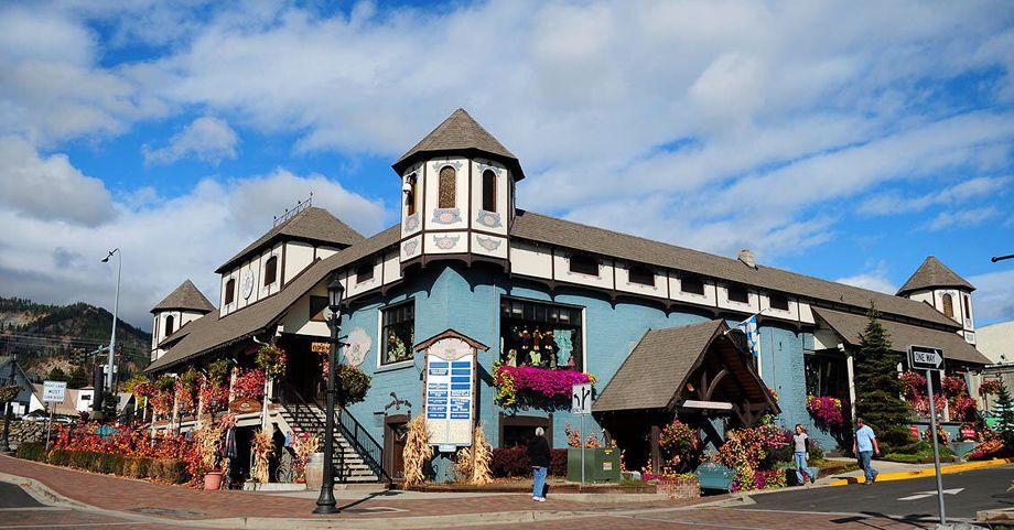 The Taffy Shop, Leavenworth, Washington. Yep, they sell Tavern Puzzles.
