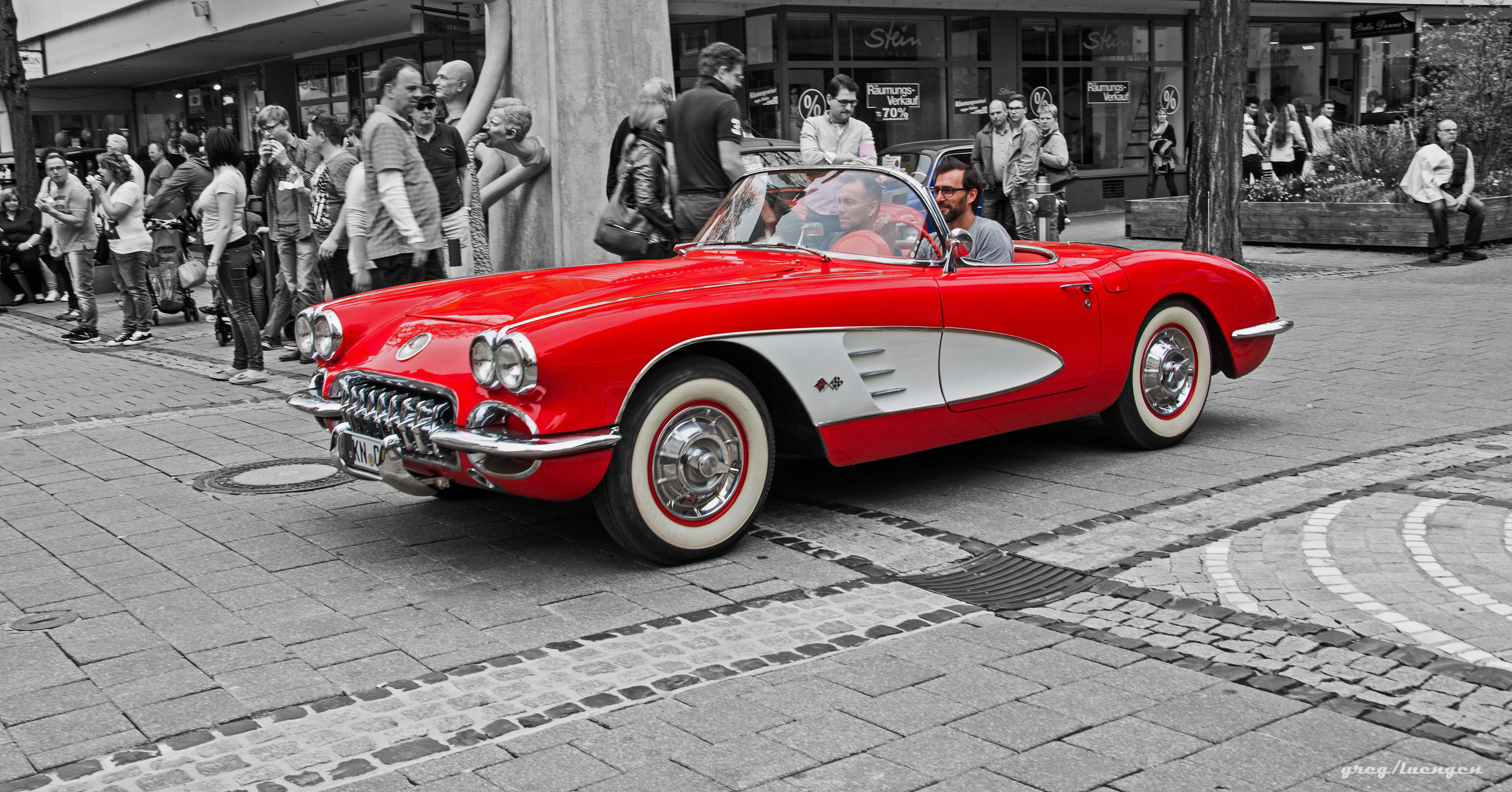 this car a convertible has be one of the most beautiful oldtimers