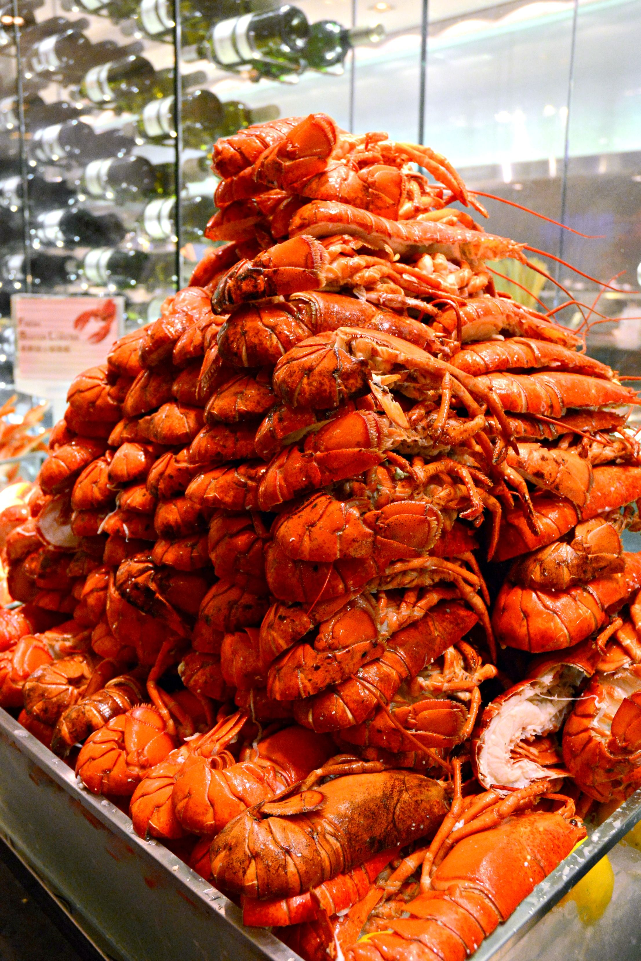 lobsters at lobster buffet yamm food in hong kong in 2019 rh pinterest com nordic lodge seafood buffet in rhode island nordic lodge seafood buffet in rhode island