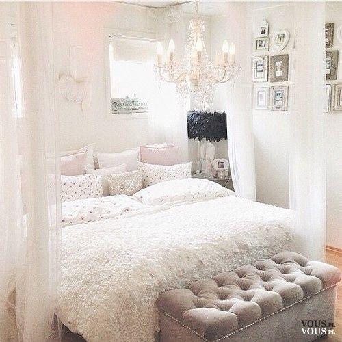 Cudowna Sypialnia W Jasnej Kolorystyce łóżko Z Baldachimem