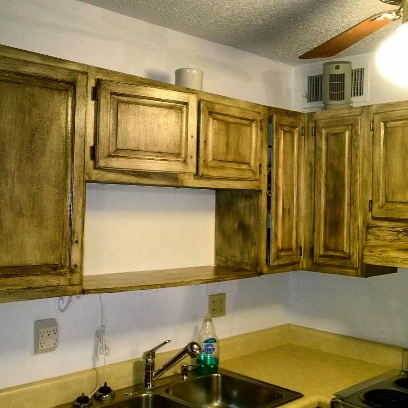 """It's time for your #ThursdayTip from #TeamToska !!! 🤗 """"Are you remodeling a small kitchen with 8' ceilings and want to make it appear larger?  Start by taking your upper cabinets all the way to the ceiling.  Then you will want to paint those uppers white or a very light neutral.   http://www.uniquepaintingkc.com/interior-color-design/ #UniquePaintingKC"""