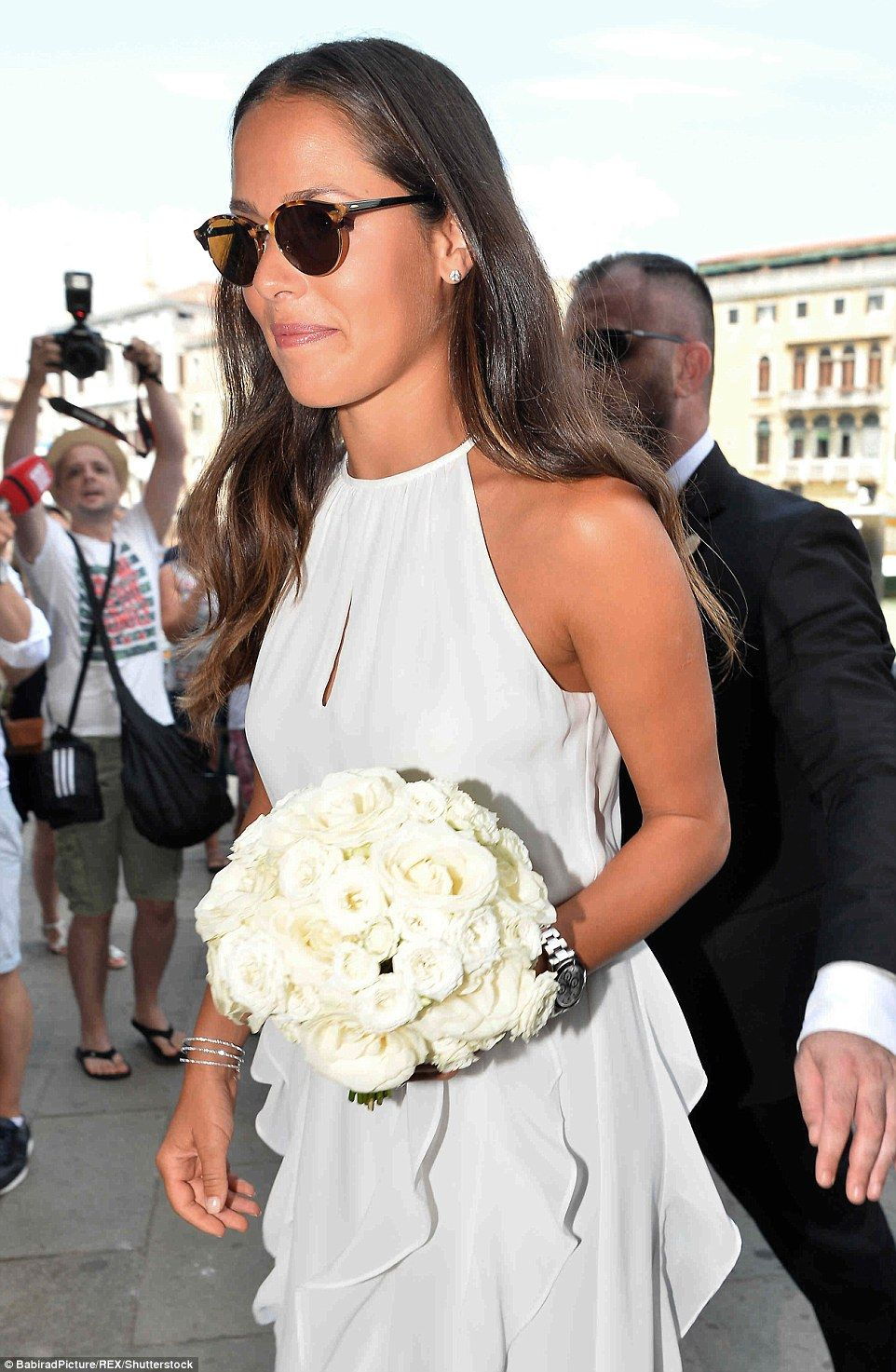Ana Ivanovic Wows In Stunning Frilled Gown As She Marries Bastian Ana Ivanovic Braut Sport Frauen