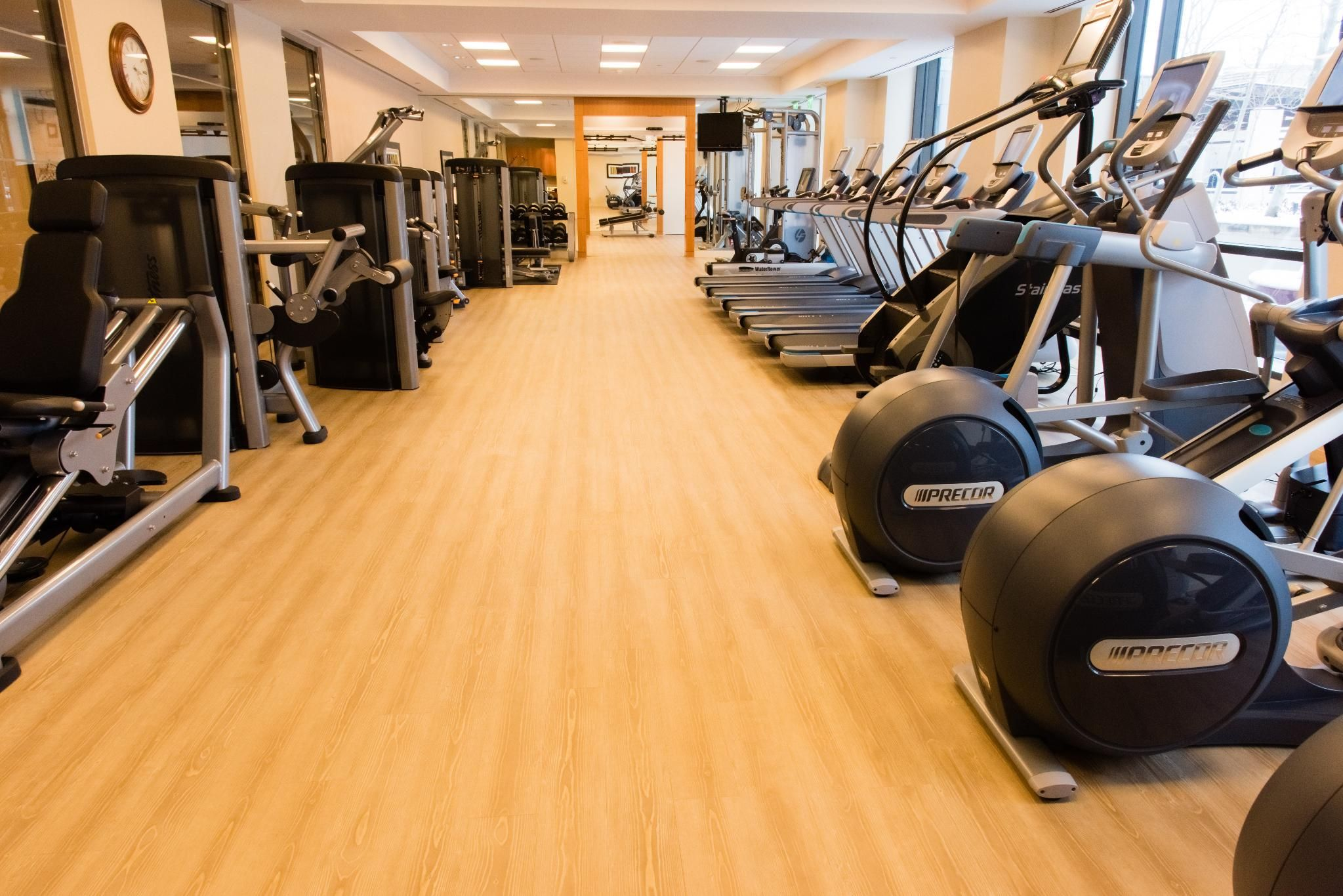 Men S Fitness Magazine Best Hotel Gyms For A Phenomenal Workout With Four Seasons Hotel Denver Hotel Gym Denver Hotels Hotel