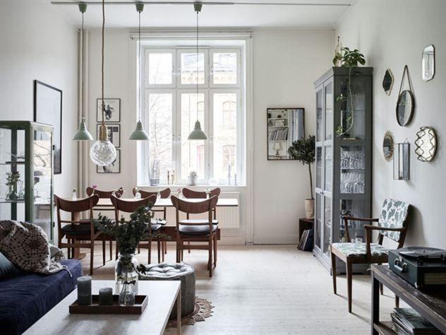Fönster fönster vardagsrum : Vardagsrum med höga fönster.   lelle hemmet   Pinterest