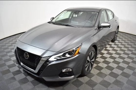 2019 Nissan Altima Colors Specs Review New Technologies Make The 2019 Nissan Altima Midsize Sedan A Critical Challenger T Nissan Altima Toyota Camry Nissan