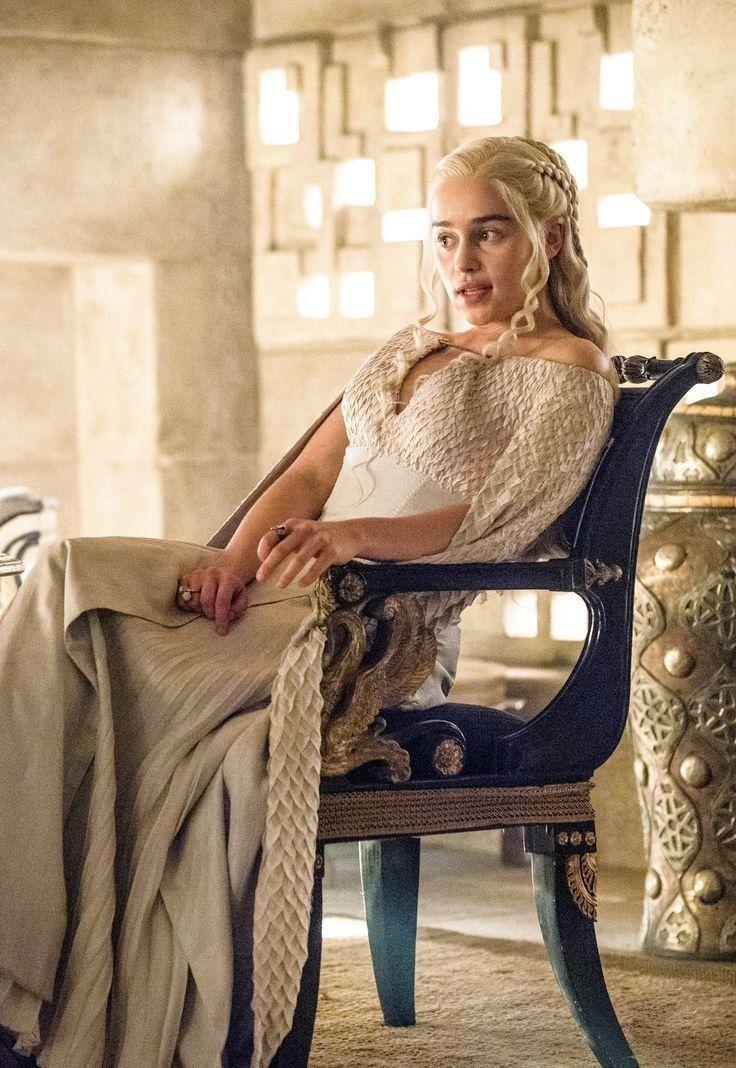 Daenerys targaryen   Game of thrones costumes, Daenerys