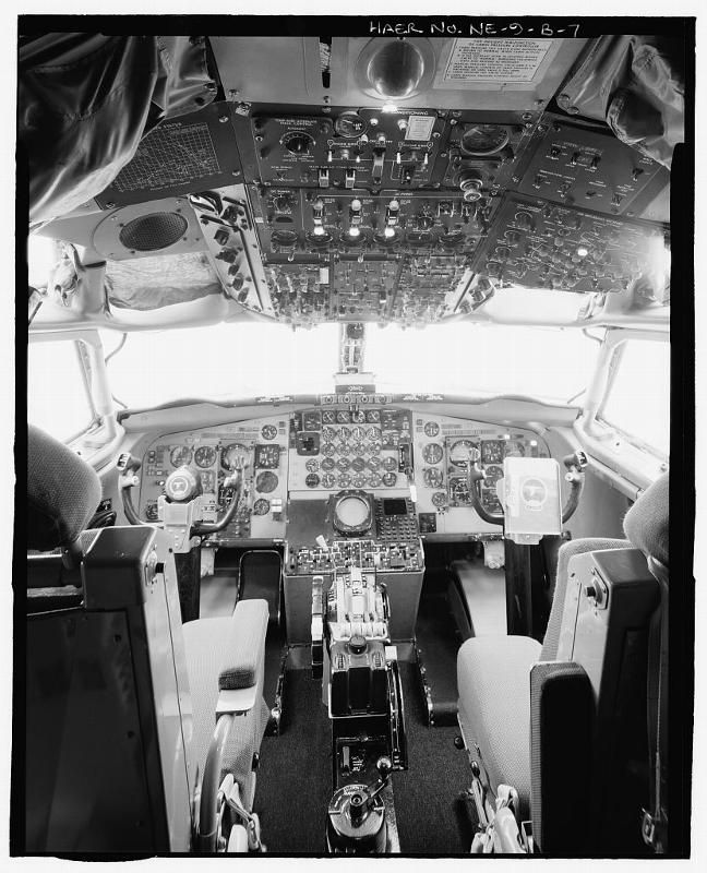 Photo of Looking Glass Airborne Command Post cockpit.  f1ce9d03bf6