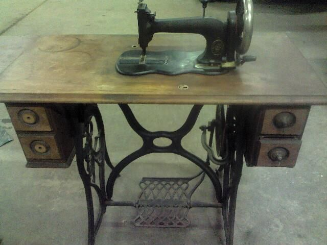 Antique Goodrich Sewing Machine with lid | Treadle Away | Antiques