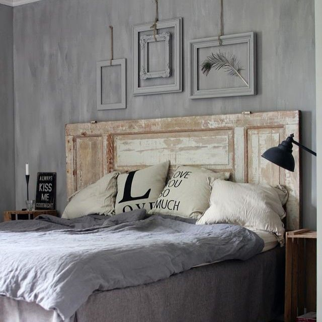bonne nuit id e t te de lit avec ancienne porte pon age. Black Bedroom Furniture Sets. Home Design Ideas