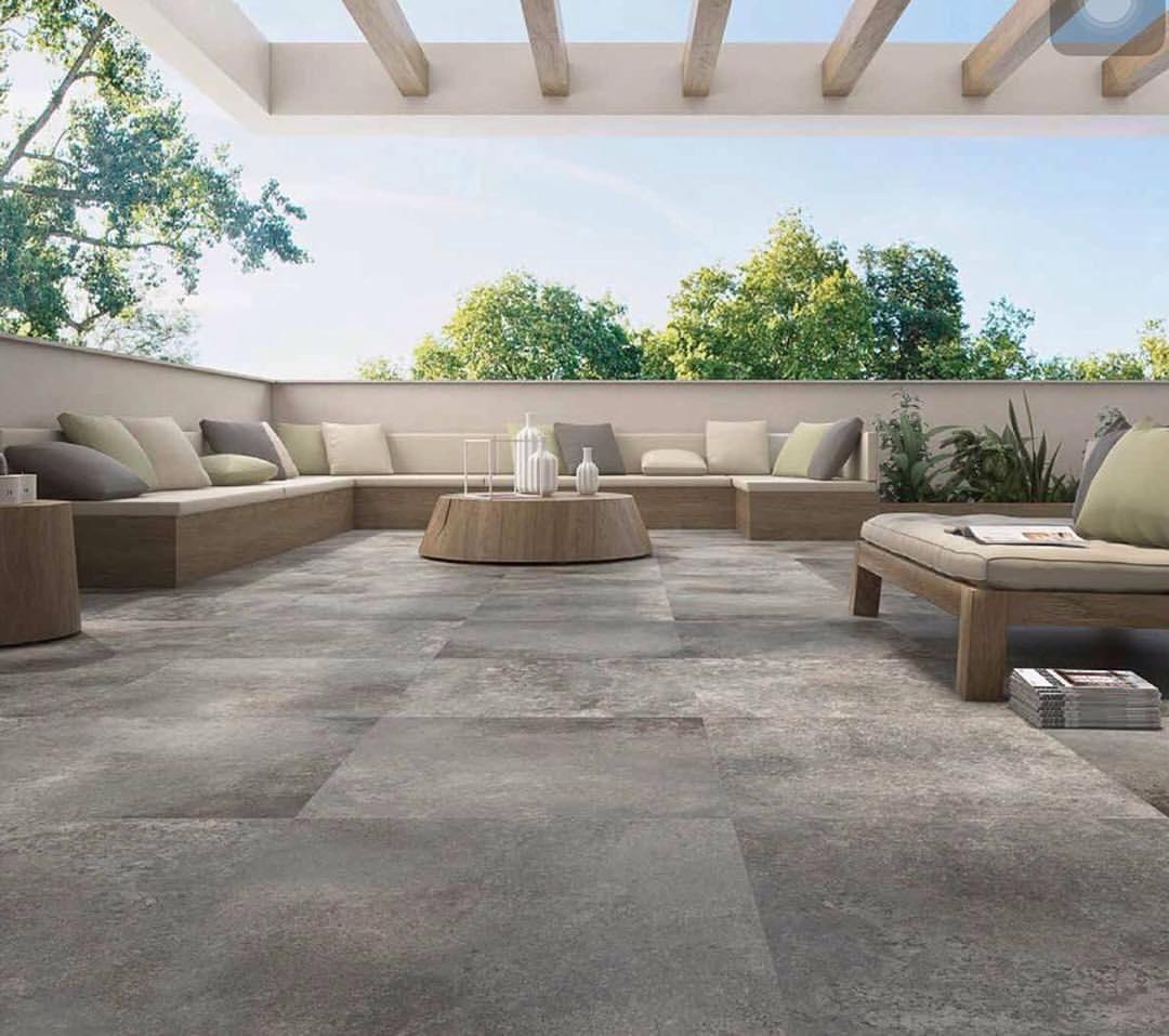 Piso porcelanato espa ol en dos novedosas medidas uso for Pisos de jardines exteriores