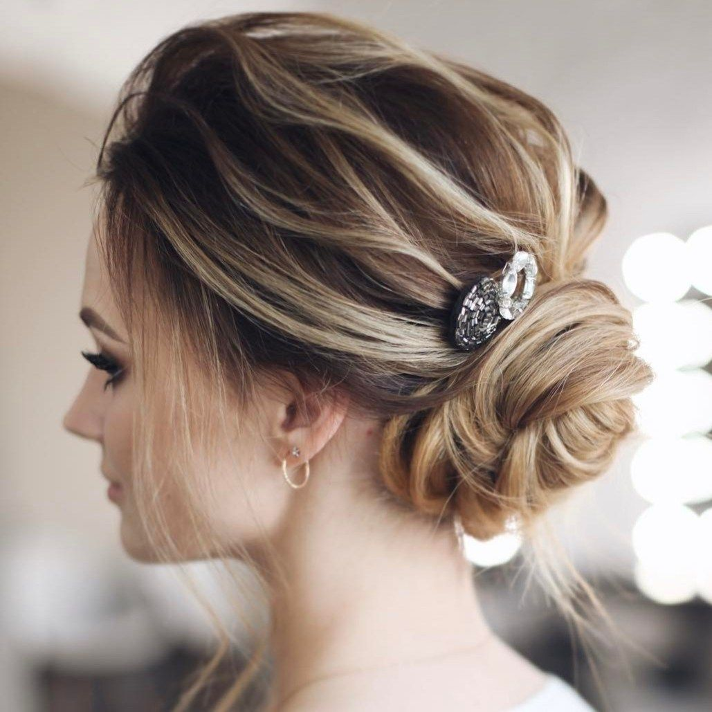 Best hairstyle for round shaped face beehive hairstyle amy