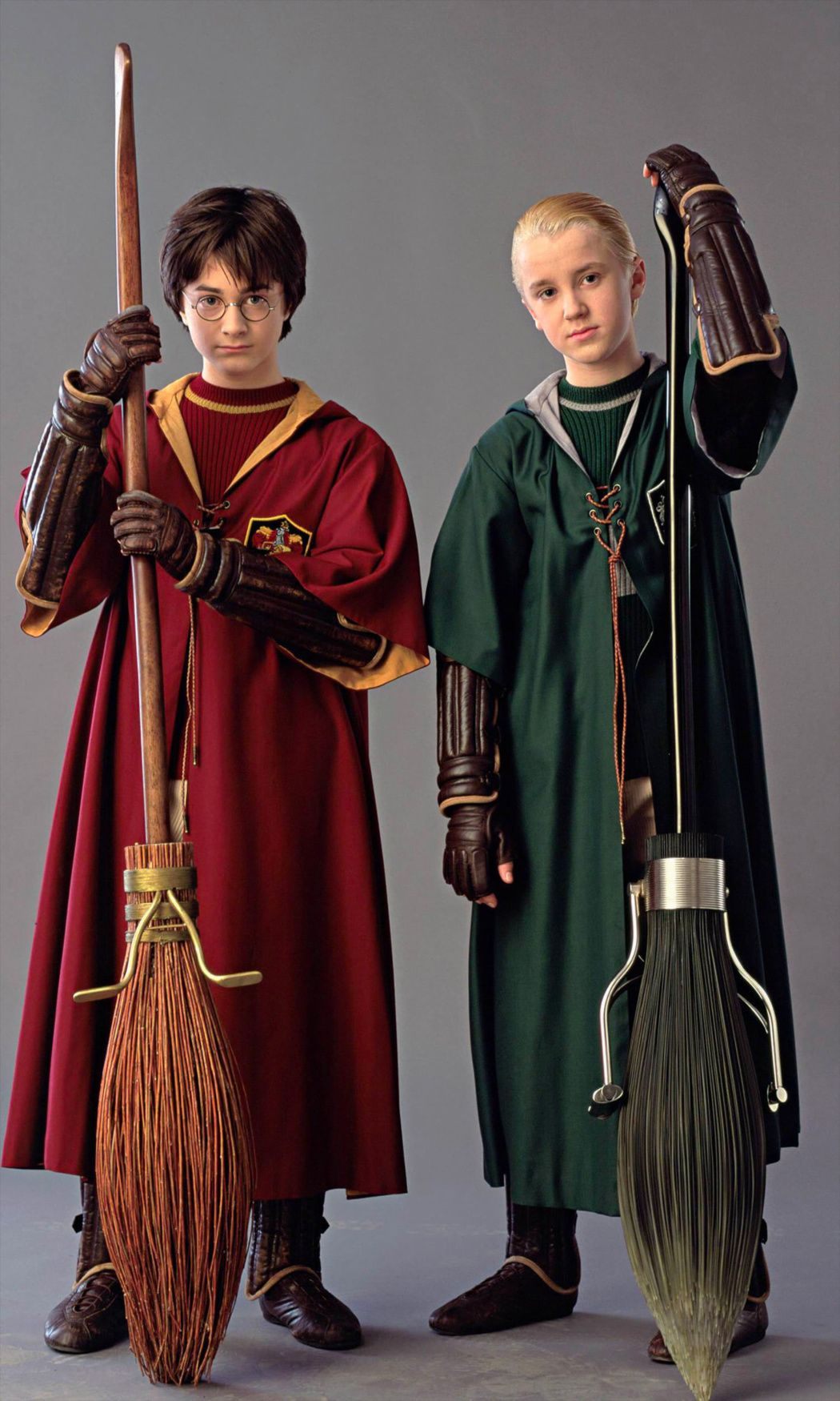 Portrait Of Harry And Draco In Quidditch Robes Harry Potter Quidditch Draco Malfoy Harry Potter Draco Malfoy