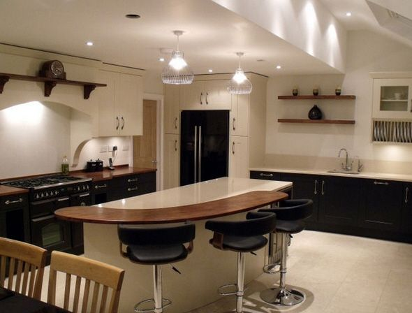 A Stunning Mix Of Two Colours Created This Lovely Broadoak Kitchen By Elements  Kitchens In Reading
