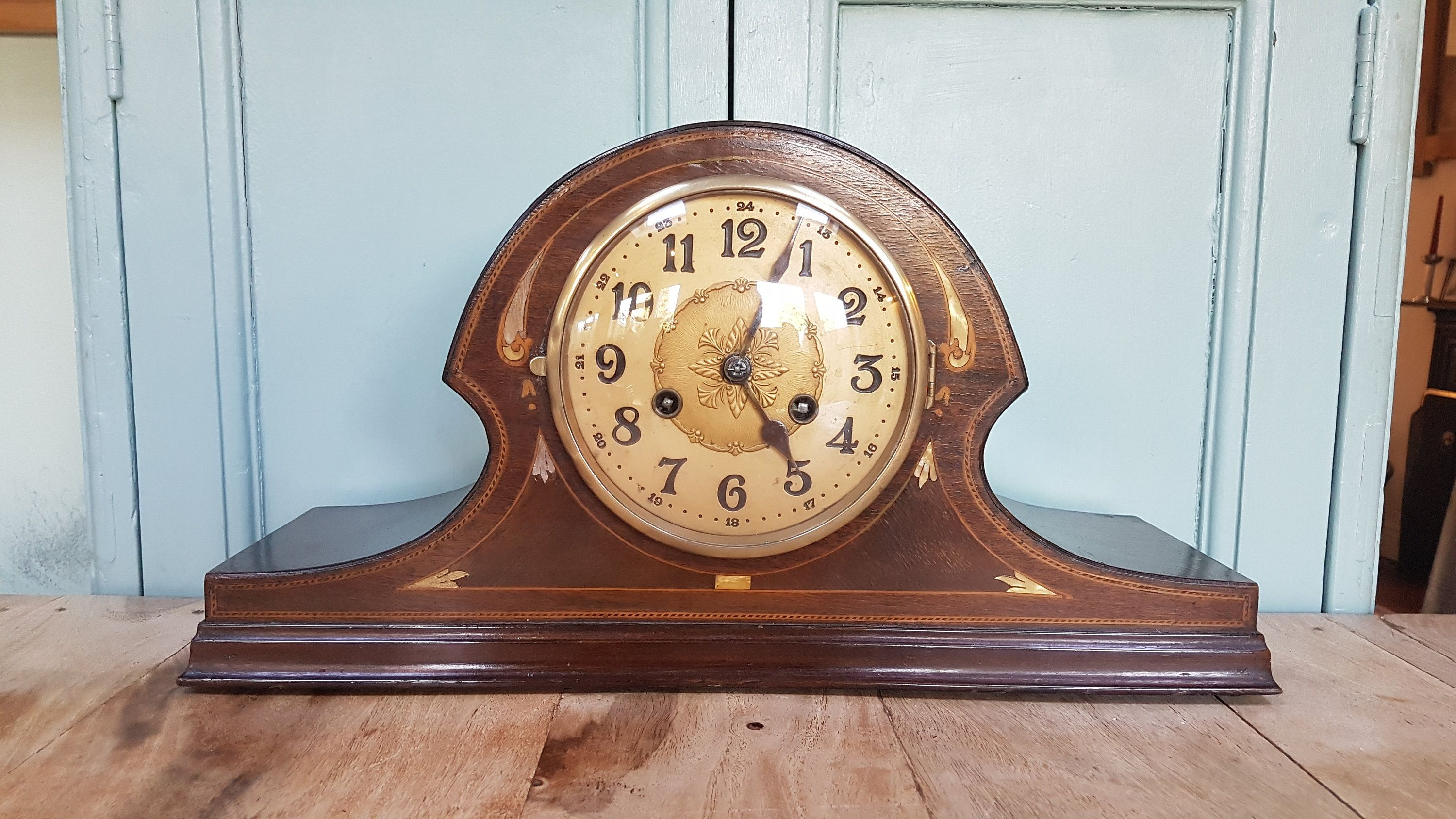 Vintage Chiming Mantel Clock Decorative Vintage Mantel Clock