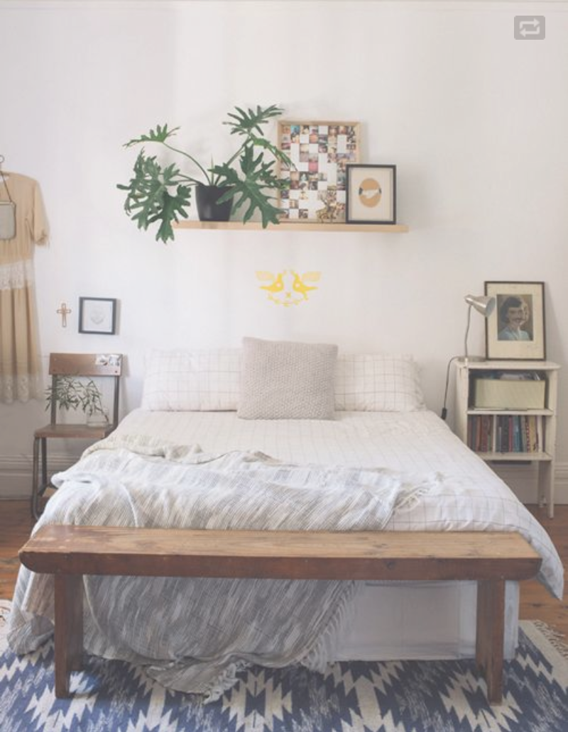 plankje boven bed