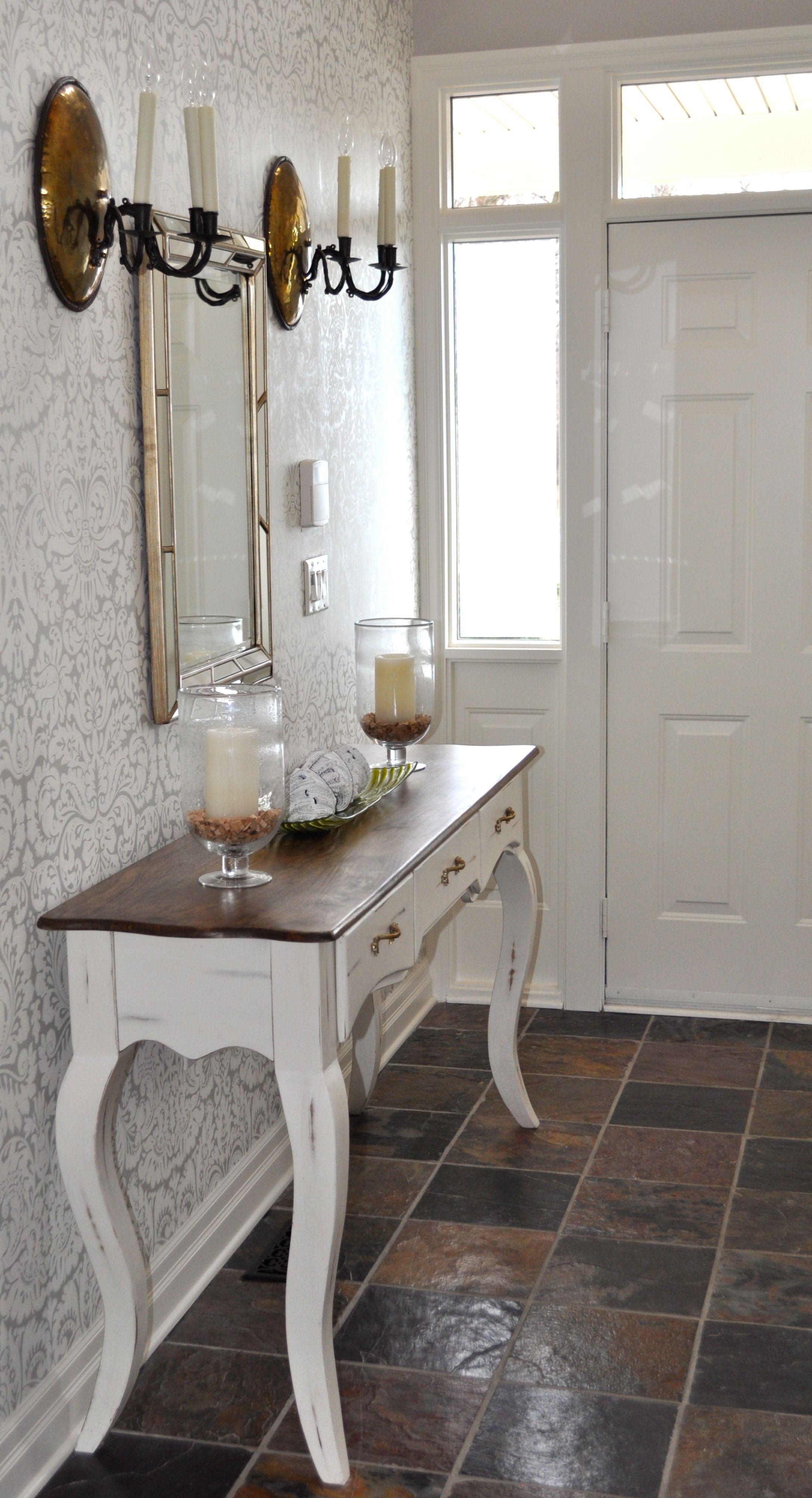 Farrow and Ball Silvergate wallpaper in an entryway we