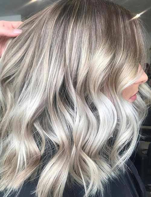 Top 25 Light Ash Blonde Highlights Hair Color Ideas For Blonde And Brown Hair #haircolorblonde #lightashblonde