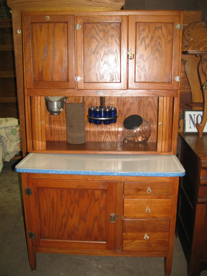 Antique bakers cabinet oak hoosier kitchen cabinet for Restoring old kitchen cabinets