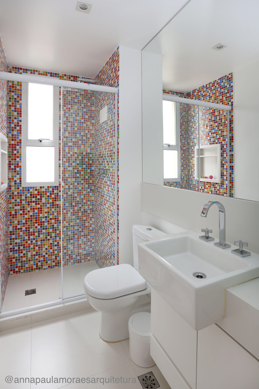 Banheiro colorido reforma feita em sp para banheiro for Banos modernos para apartamentos pequenos