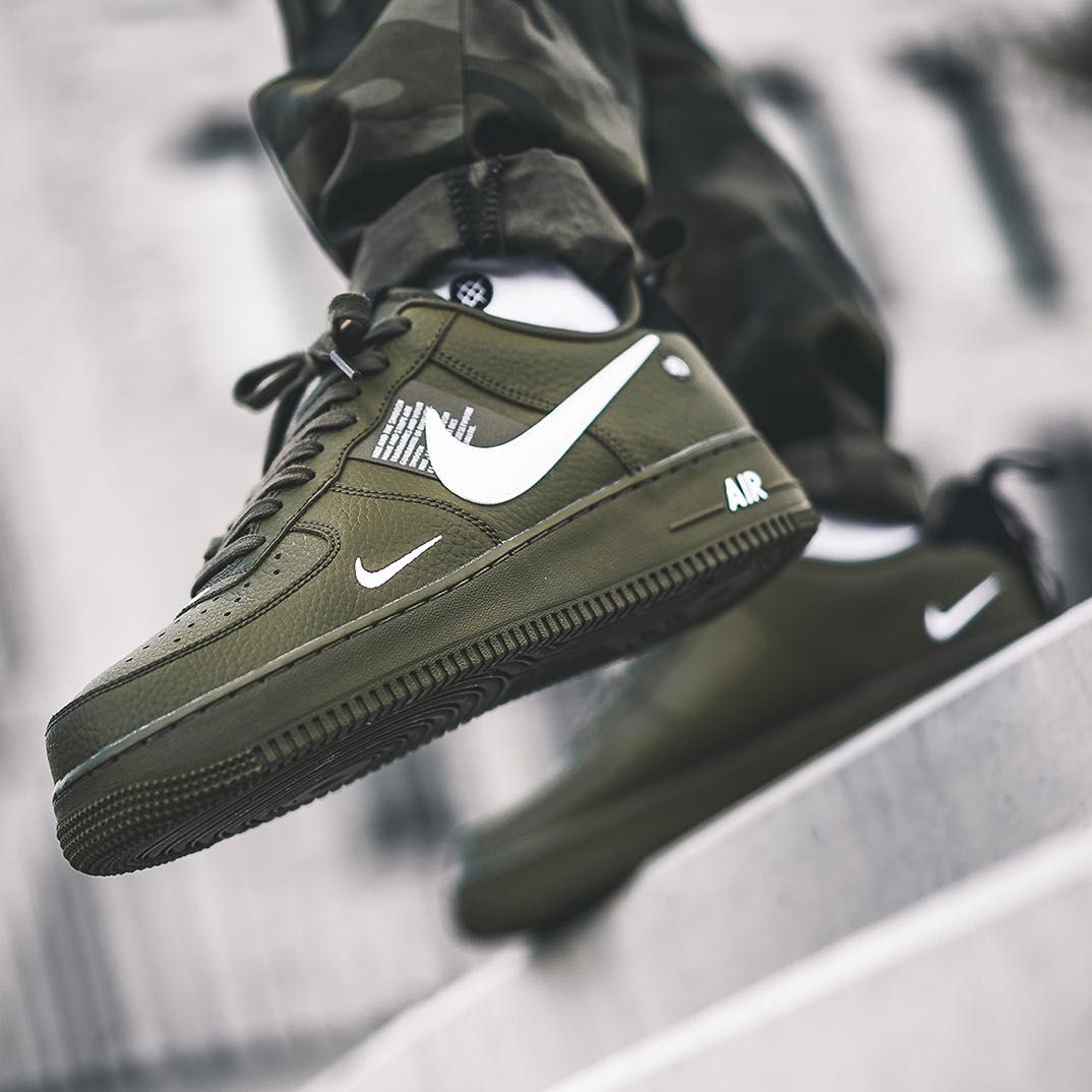 NIKE AIR FORCE 1 ONE UTILITY LOW UK US 10 11 12  LV8 1 07 OLIVE GREEN AJ7747-300