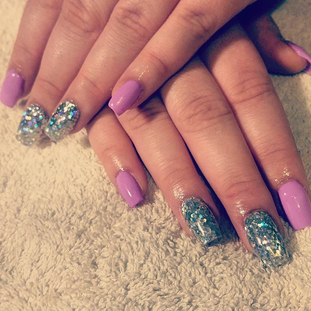 Loving these nails I did today! Perfect nails to match a perfect girl  #nails #glitter #purple #perfect #acrylics #warrnambol #live3280 #love3280 #glam #pretty by bonbon2020