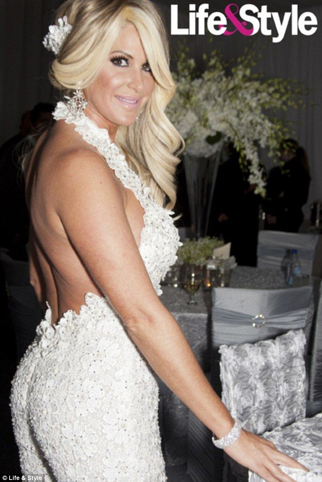 Inside Kim Zolciaks Wedding Album Real Housewives Star Wears THREE Outfits During 1m Nuptials