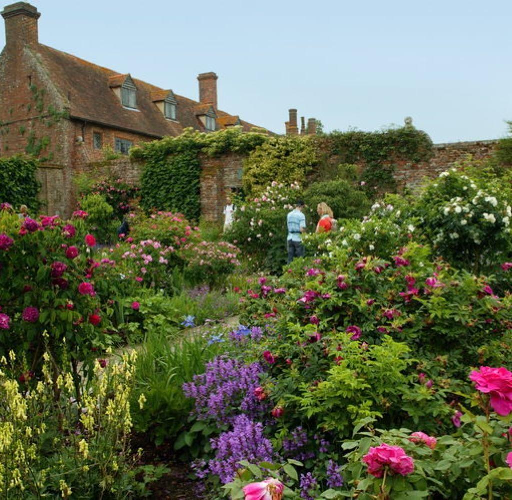 Der Cottage Garten Erst Die Unordung Macht Ihn Schon Bilder Fotos Welt Cottage Garten Garten Garten Und Outdoor