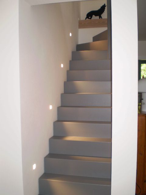 Abitazione privata illuminazione scala segnapasso led ligting design realizzazioni - Illuminazione scale interne led ...