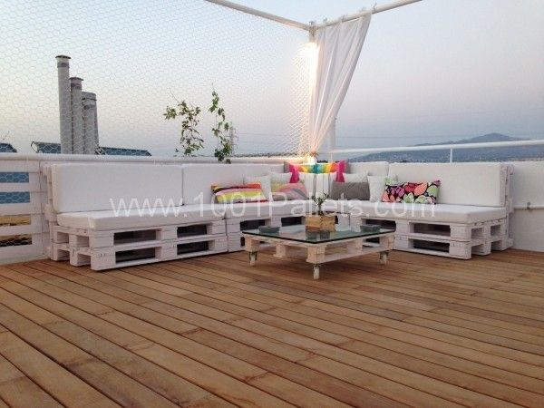image151 600x450 Pallet roof terrace lounge in pallets ceiling roof pallet lounge pallet outdoor project with Terrace Pallets Lounge Source link