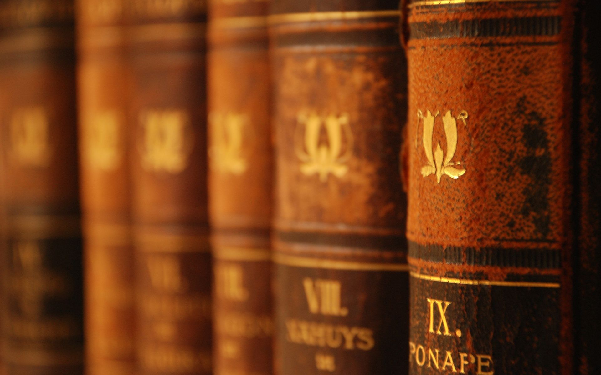 old books wide hd