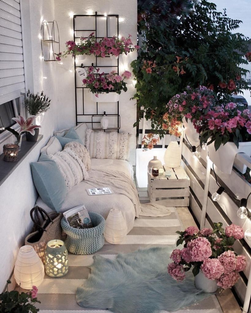 Nice 45 Terrace With Decoration Light You Must Try In Your House Http Decoraiso Com Index Php Small Balcony Decor Balcony Decor Apartment Balcony Decorating