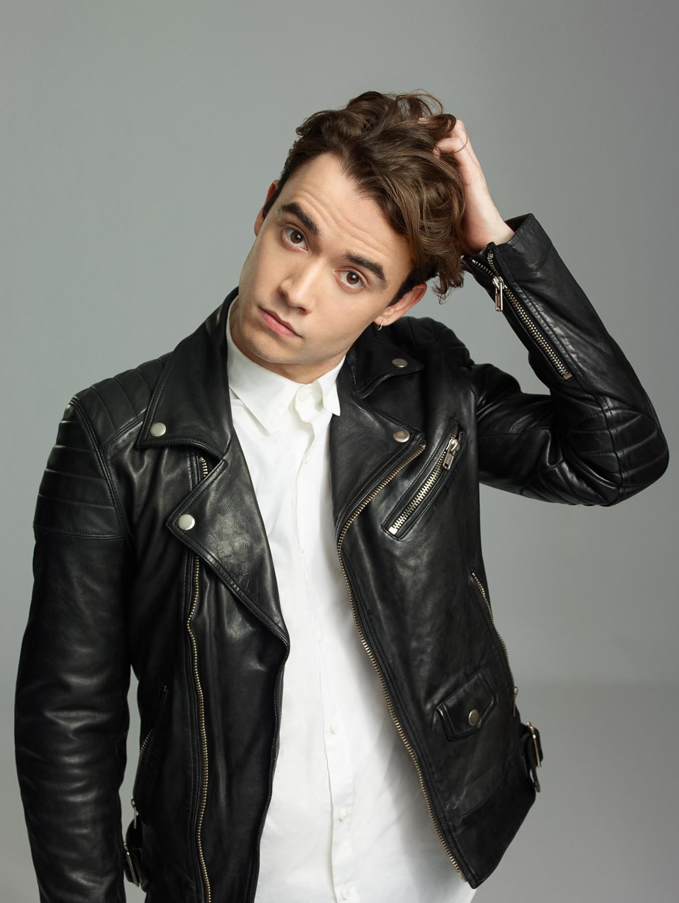 Would You Stay For Adam Ifistay Star Jamie Blackley If I Stay